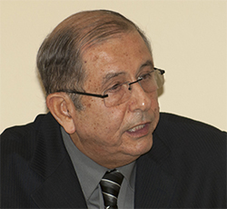 Dr. Santiago Cárdenas